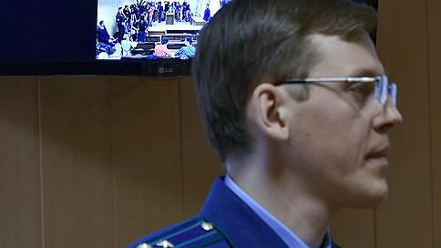 Генерала за полковника // Прокурора, отсудившего имущество у Дмитрия Захарченко, повысили в звании