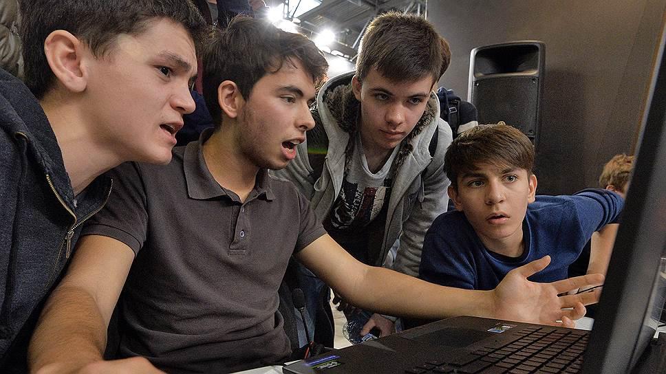 Доступ подростков в интернет может быть ограничен после нападений на школы
