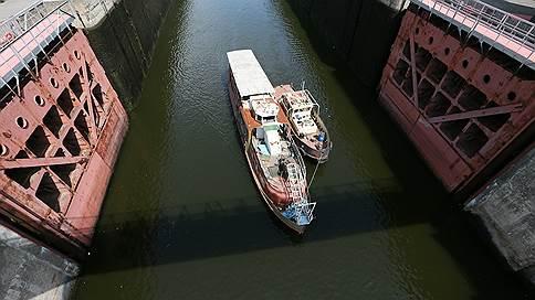 Субподрядчик как в воду канул // Фигурант дела о хищении при реконструкции канала имени Москвы скрылся во время процесса