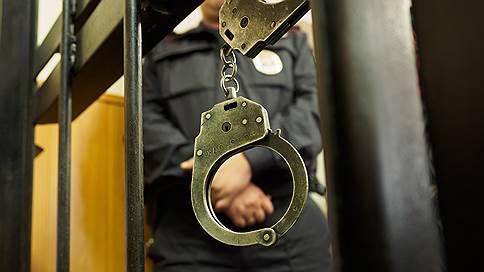 Бизнесмен откупился от несуществующего дела // Бывшего чекиста и адвоката заподозрили в мошенничестве