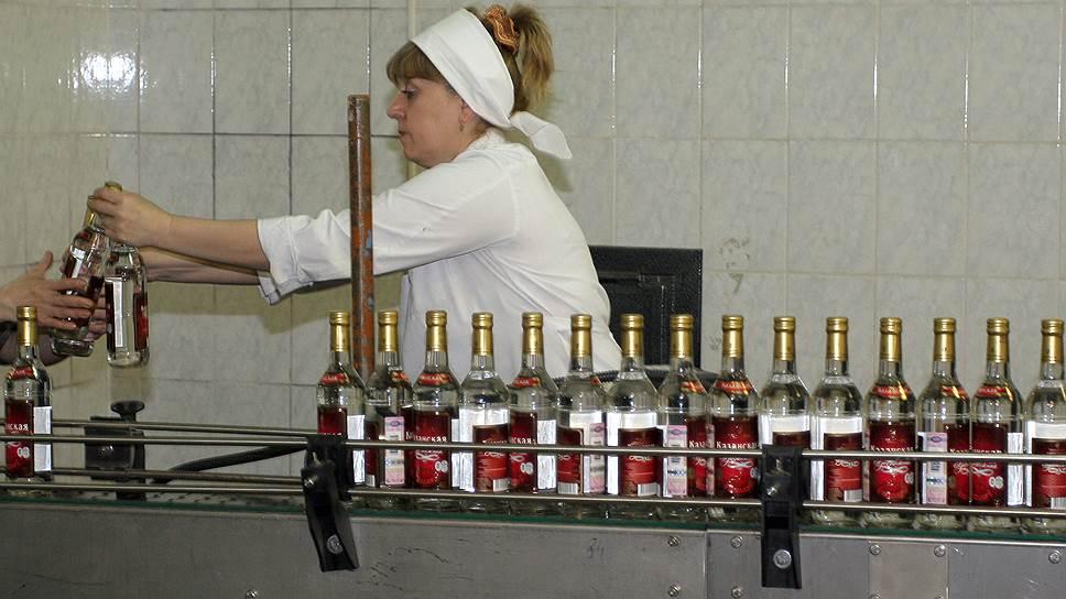 Сколько водки крупнейшие производители в России произвели за 2017 год