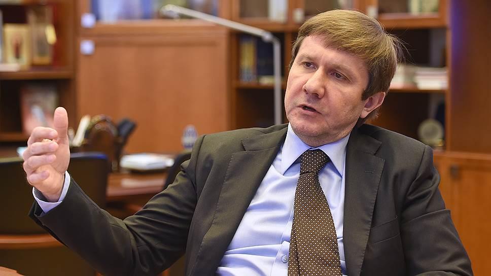 Что президент «Просвещения» Владимир Узун рассказал о борьбе с контрафактом и подготовке к IPO