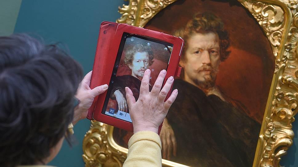 Брюллов всегда стремился подчеркнуть благородство своих моделей, и его автопортреты — отнюдь не исключение