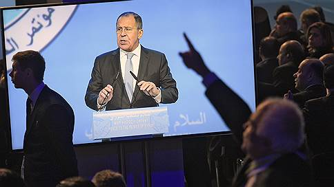 Межсирийский диалог на повышенных тонах // Проведению конгресса в Сочи не помешали ни споры из-за эмблемы, ни демарш оппозиционной делегации