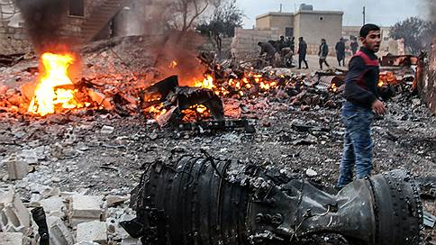 Летчик принял бой на земле // В Сирии сбит Су-25, пилот погиб