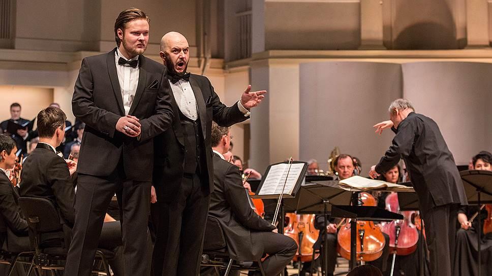 «Симону Бокканегре» в концертном исполнении театральности было не занимать