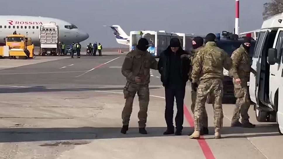 За дагестанским премьером Гамидовым прислали самолет со спецназом из Москвы