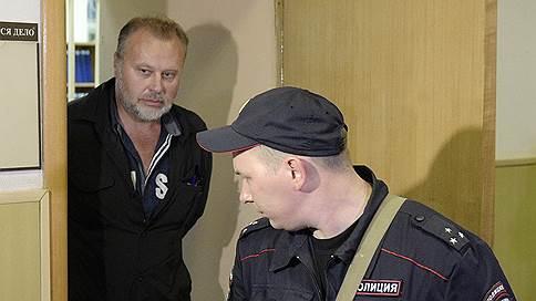 Дело о сапогах вывернулось наизнанку // Замдиректора ФСИН винят в махинациях, которые он вскрыл