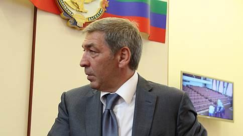 В Дагестане пало временное правительство // После задержаний врио премьера и двух его замов кабинет отправлен в отставку