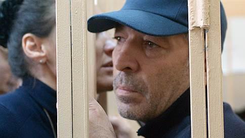 Дагестанскому премьеру припомнили каждый рубль // За особо крупное мошенничество арестовано четыре бывших чиновника