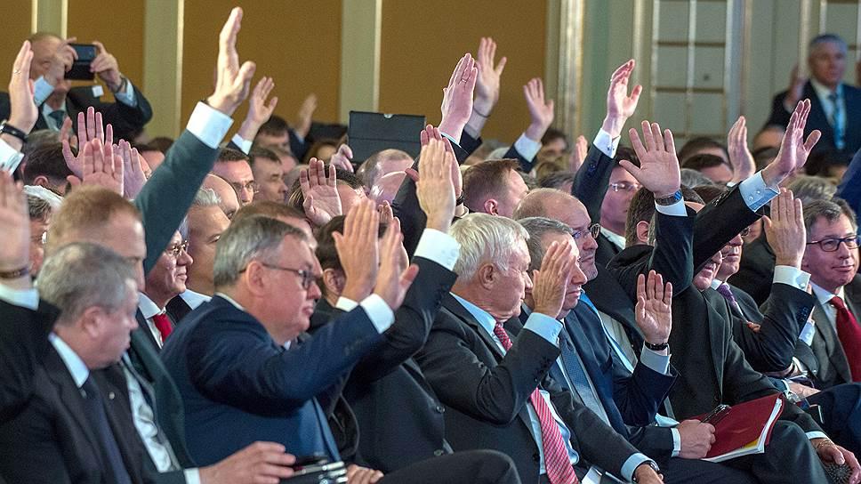 Владимир Лисин рассказал президенту о проблемах бизнеса с помощью анекдота