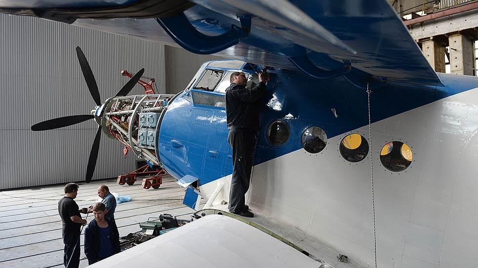 С 1971 года Ан-2 в нашей стране уже не строили, лишь модернизировали — в частности, ставили на них американские турбовинтовые двигатели