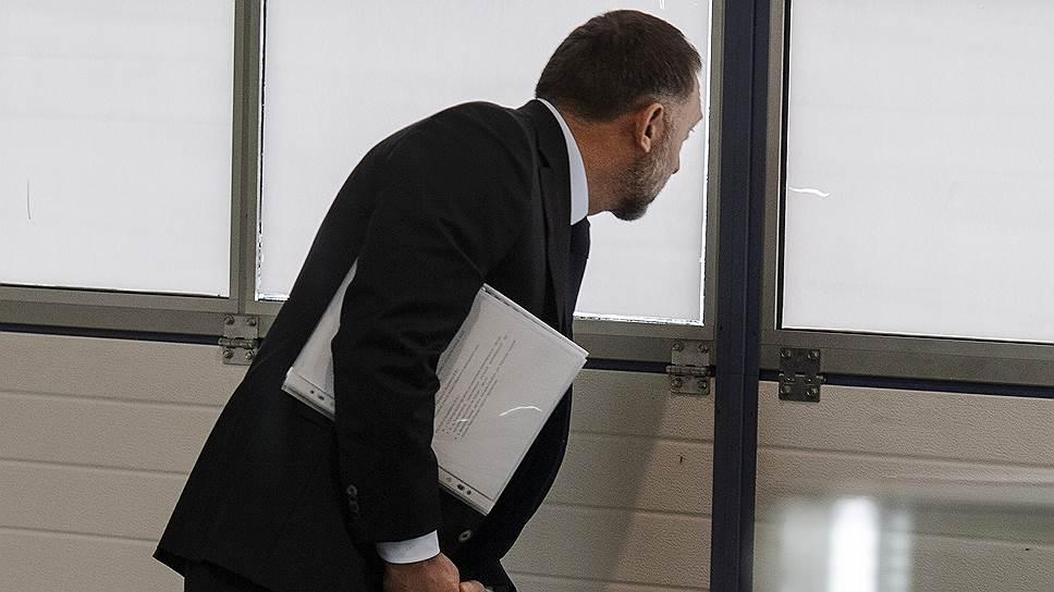 Олег Дерипаска меняет стратегию управления своими активами на фоне бурно развивающихся вокруг него событий