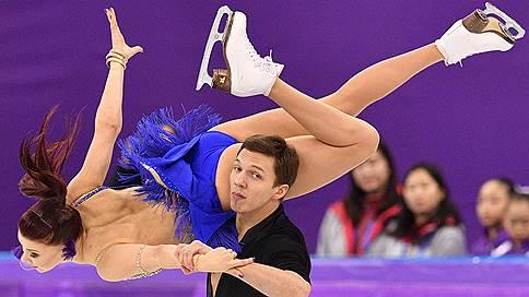 Шансов на бронзу у российских танцоров осталось мало // Екатерина Боброва и Дмитрий Соловьев после короткого танца занимают шестое место