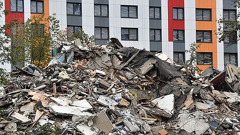 Реновацию решили переждать // Москвичи сняли с продажи половину квартир