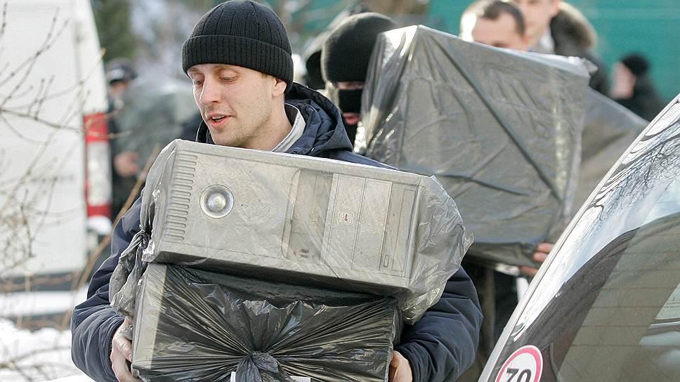 Правоохранителям запретят забирать у предпринимателей жесткие диски в ходе обысков