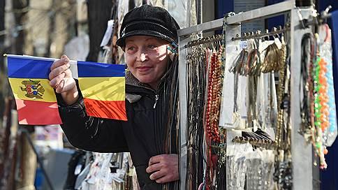 Молдавия не пришлась к селу // 108 населенных пунктов страны высказались за объединение с Румынией