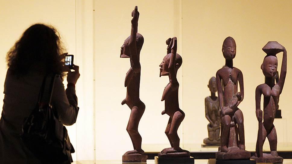 Витрины многих известных музеев (например, парижского Музея на набережной Бранли) теперь рискуют опустеть