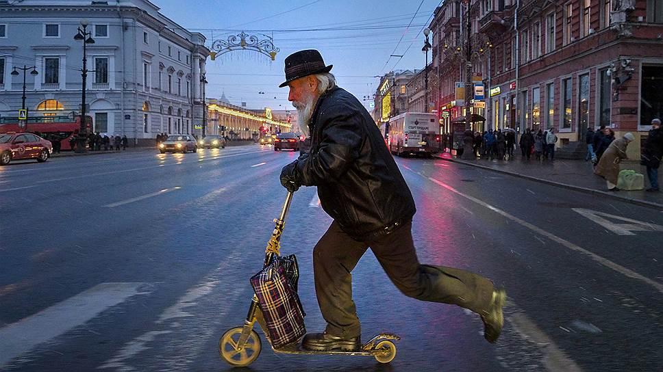 Будущие пенсионеры потеряли десятки миллиардов рублей инвестдохода, поторопившись с переходом к другому страховщику в 2017 году