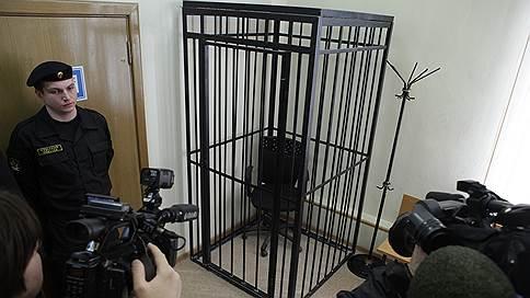 Беглого банкира ждут в Интерполе // Заочно арестован экс-глава «БФГ-Кредита», задолжавшего 42миллиарда