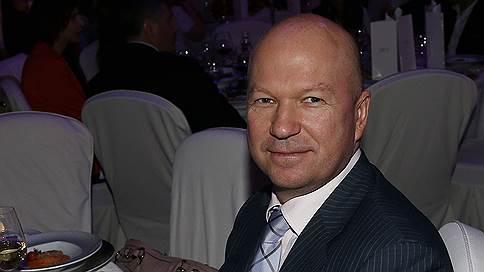 Адвокат сдал свой статус вместе с банкиром // Коллеги изгнали из своих рядов защитника, давшего показания на клиента