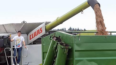 Вывоз зерна уперся в футбол и пошлину // Экспорт в этом сезоне может остановиться на 50млн тонн