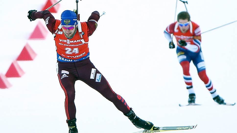 Победа Максима Цветкова (на переднем плане) в заключительной гонке сезона стала для сборной России всего лишь второй в Кубке мира 2017–2018 годов