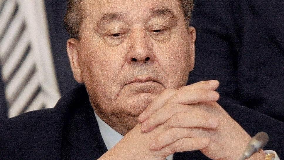 Леонид Полежаев умел определять, когда тот или иной его заместитель «созрел», и начинал с ним бороться: конкурентов делегировали в Омск, потом с мэрами начинался конфликт