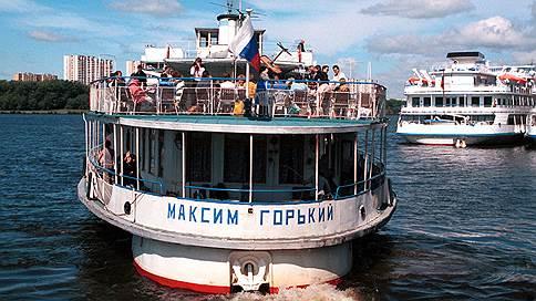 «Яхту Сталина» оставят в Москве // Канал имени Москвы выкупает теплоход под свой музей