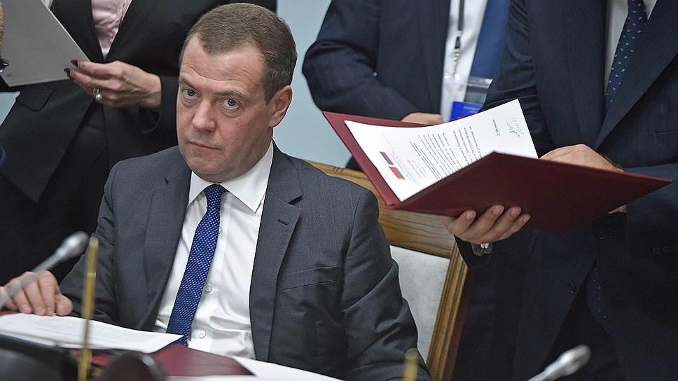 Для увеличения резервного фонда правительству Дмитрия Медведева в экстренном случае потребуется пересмотр бюджета