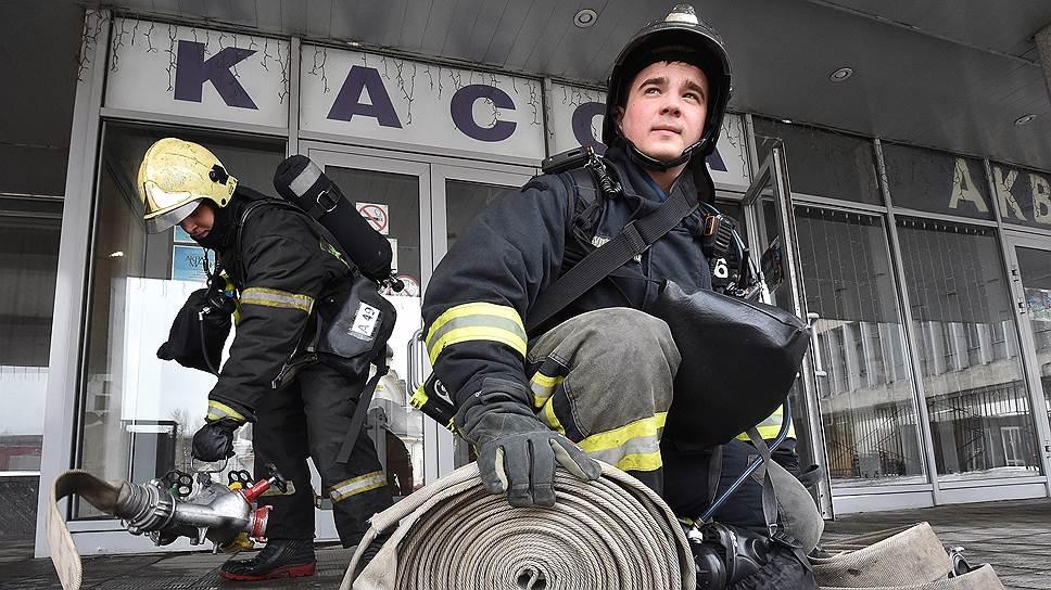 Пожарные в ДК сработали на четверку, остальные, по данным проверяющих,— на двоечку
