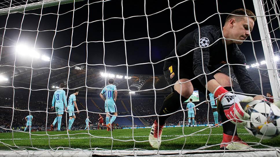Футболисты «Ромы» совершили то, что казалось невозможным,— они забили три безответных мяча в ворота «Барселоны» и выбили ее из Лиги чемпионов