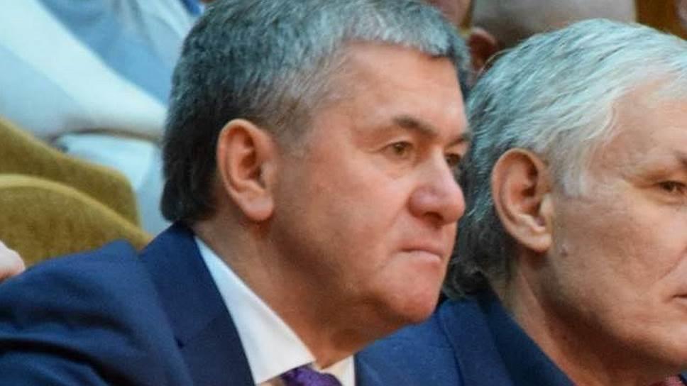 Первого вице-мэра Сочи Мугдина Чермита заподозрили в незаконном согласовании разрешения на строительство жилого комплекса