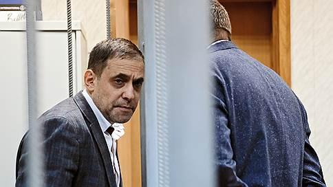 Деньги «Роскосмоса» исчезли в преступном сообществе // Экс-руководителей Фондсервисбанка распустили по домам