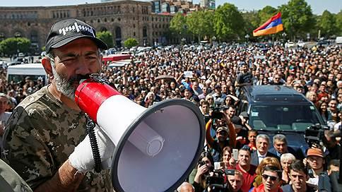 Перетягивание мандата // Противоборствующие силы в Армении борются за кресло премьера