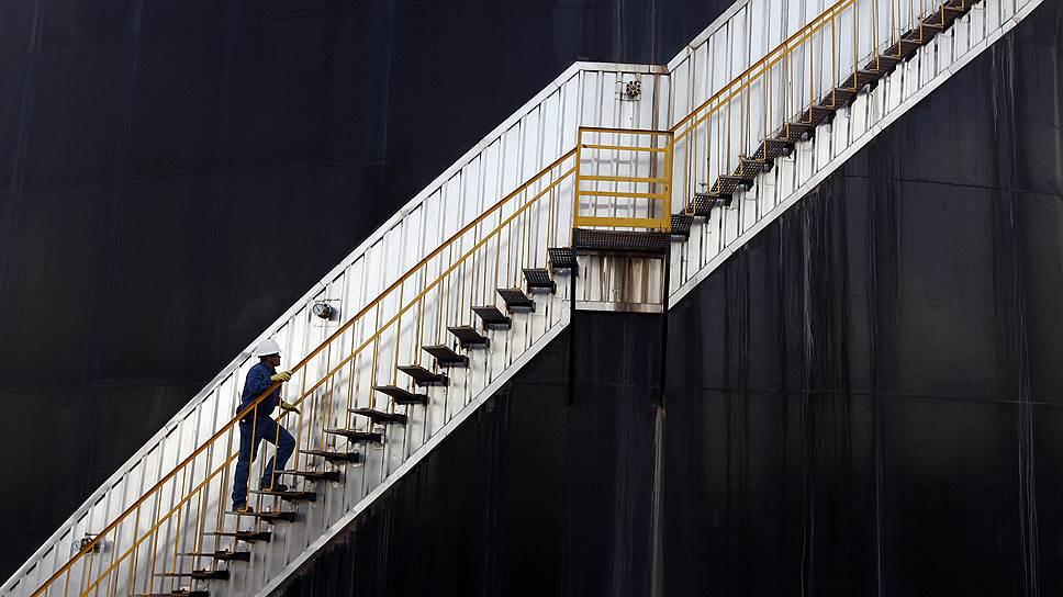 Стоимость европейской нефти превысила $80 за баррель