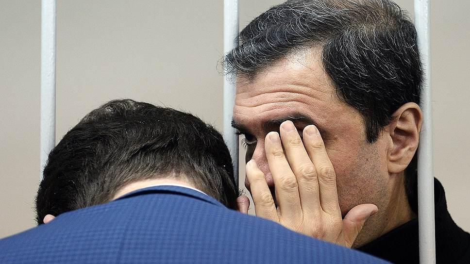 Эрмитаж выставил ущерб / По заявлению музея предъявлено обвинение бывшему заместителю министра культуры