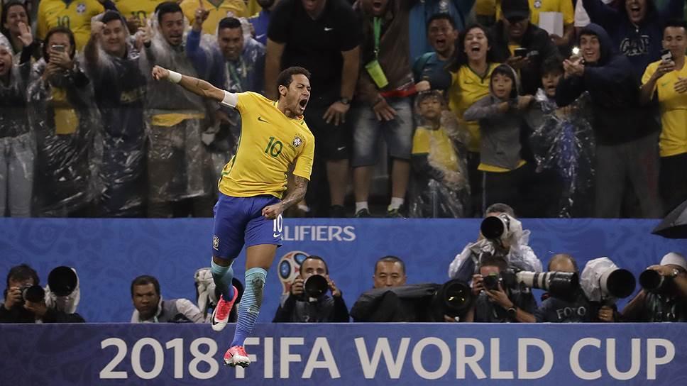 В южноамериканском квалификационном турнире чемпионата мира 2018 года лидер бразильцев Неймар забил шесть голов и сделал девять результативных передач