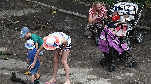 Декретный доход // Матери довольны отпуском по уходу за ребенком, но не пособиями