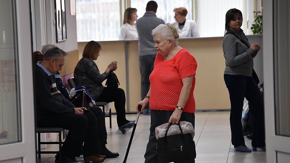 Критику и экономию за счет страховщиков в ОМС взвесят в Белом доме