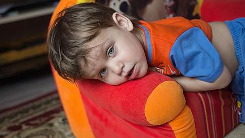 Идеальная конструкция // Двухлетнего мальчика спасет операция на позвоночнике