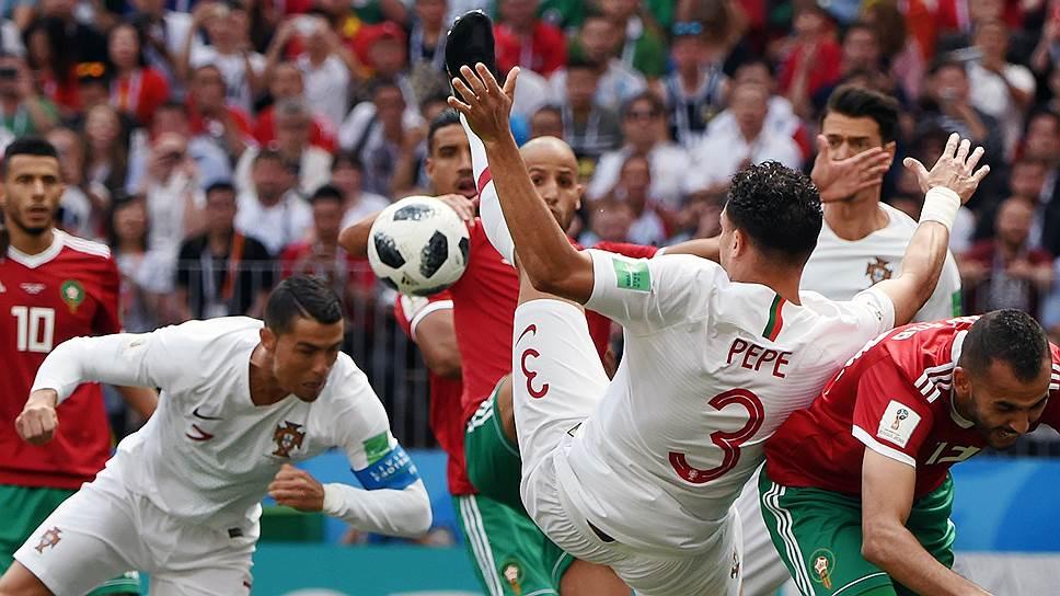 Благодаря голу в ворота сборной Марокко Криштиану Роналду вышел на чистое первое место в списке бомбардиров чемпионата мира