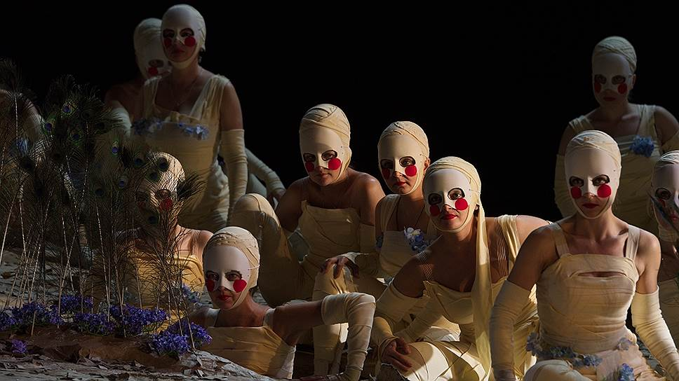 Опера в новом «Макбете» не столько исполняется, сколько подразумевается