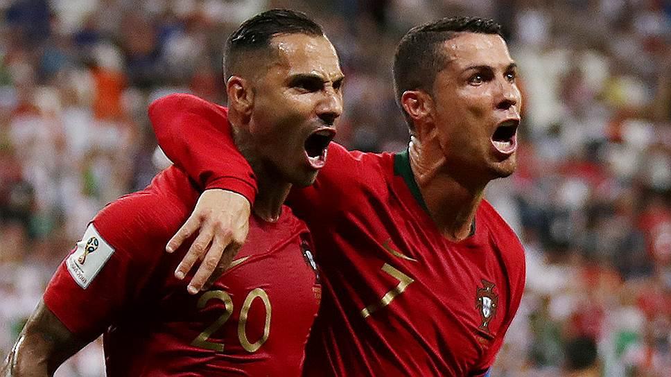 В матче против Ирана за сборную Португалии впервые на чемпионате мира забил не Криштиану Роналду, а Рикарду Куарежма (слева)