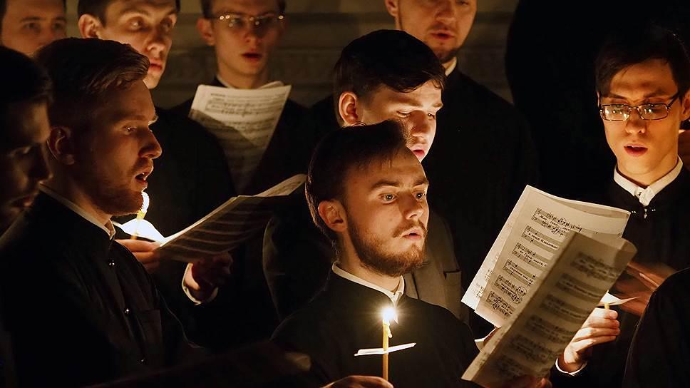 В РПЦ не считают возможным менять условия освещенности в большинстве храмов