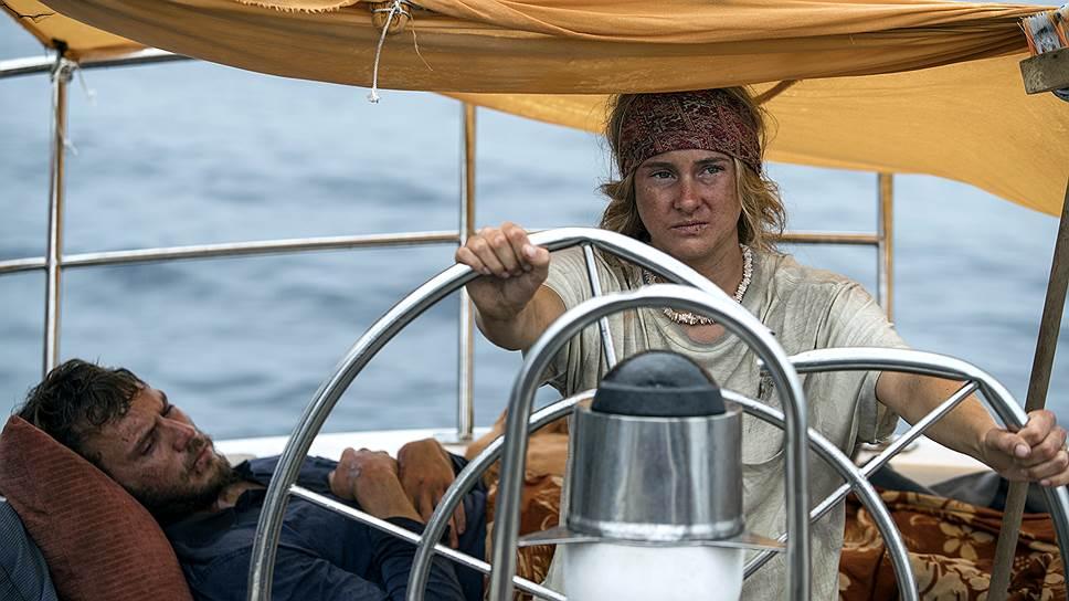 Актриса Шейлин Вудли так же уверенно держит на себе весь фильм, как ее героиня управляется с яхтой