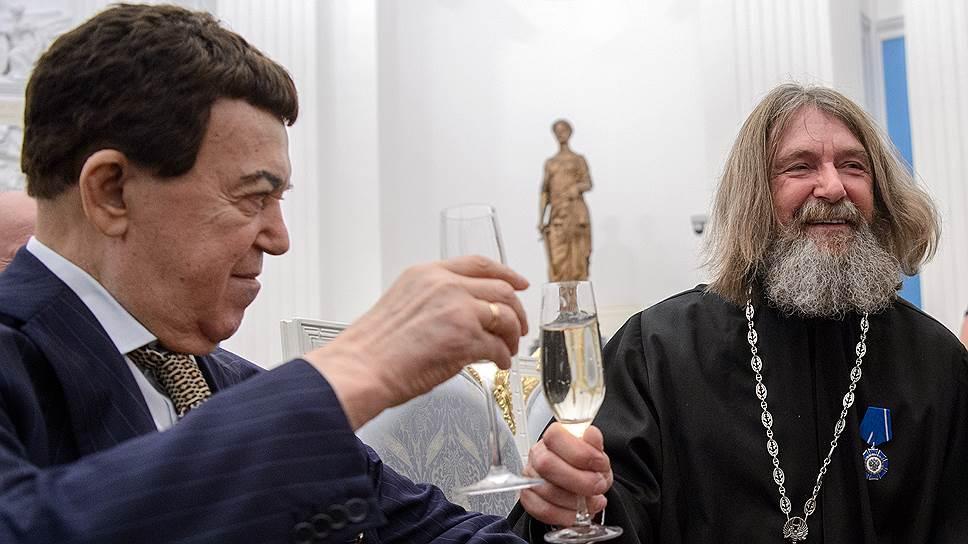 Певец Иосиф Кобзон и путешественник Федор Конюхов выпили за погружение и за взлет