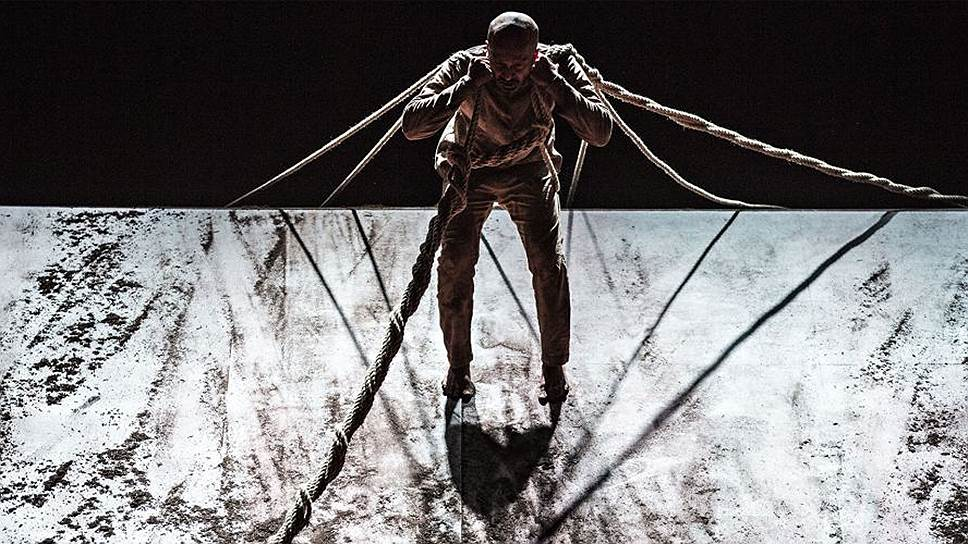 Абстрактная выразительность танца Акрама Хана прочно привязана к историческому сюжету о бедах индийских сипаев