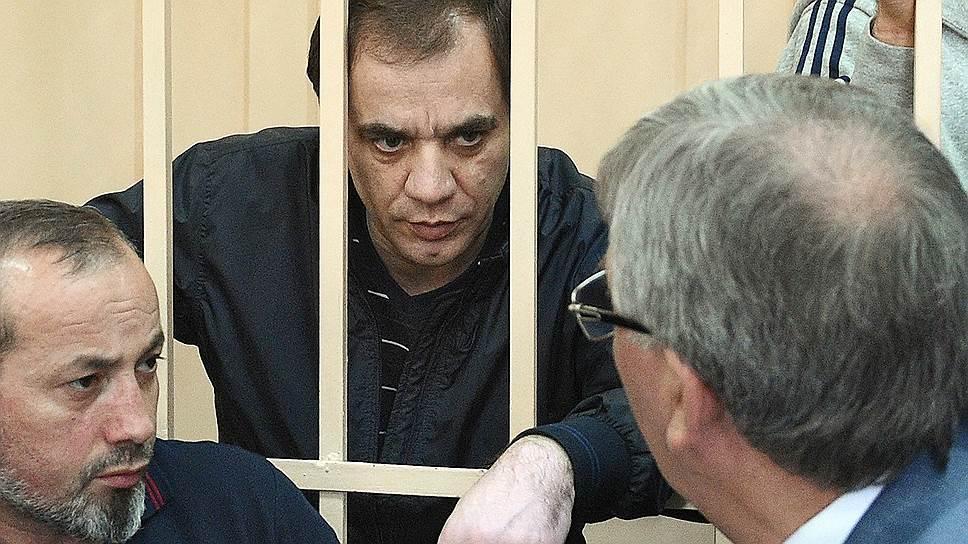 Защита Раюдина Юсуфова считает, что имущество его родственников арестовано необоснованно