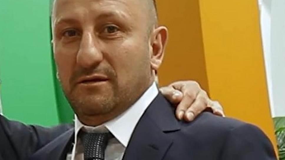О подозрениях в разбое Эльчин Ахмедов (на фото) узнал, когда к нему домой пришли с обысками